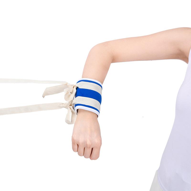 小儿手腕部约束带的临床应用